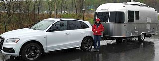 Click image for larger version  Name:airstream sport 22FB- in the rain3.jpg Views:43 Size:212.3 KB ID:348080