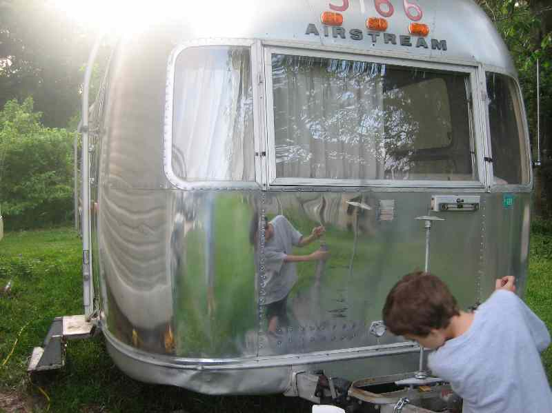 Click image for larger version  Name:Airstream Polish Frnt.jpg Views:129 Size:41.2 KB ID:35051