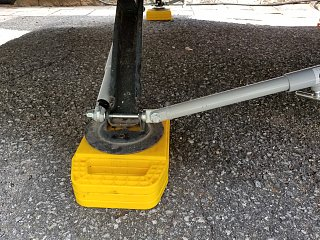 Click image for larger version  Name:curb side at foot base withrear lateral stabilzer.jpg Views:5 Size:524.5 KB ID:351677