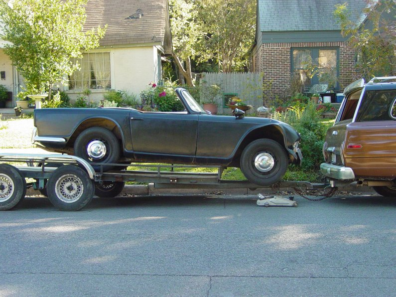 Click image for larger version  Name:TR4 off trailer R side.JPG Views:62 Size:151.2 KB ID:35298