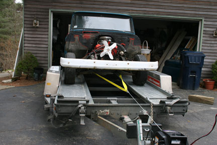 Click image for larger version  Name:04 winching up trailer.jpg Views:72 Size:53.7 KB ID:35390