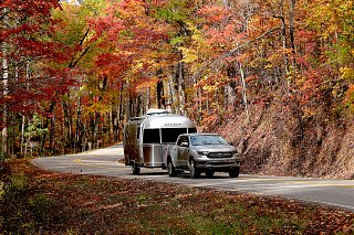 Click image for larger version  Name:Airstream Front view 1 Tail of the Dragon 1600.jpg Views:4 Size:752.1 KB ID:355992