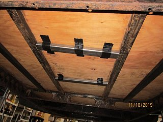 Click image for larger version  Name:1911 Frame Floor Supports-800x600.jpg Views:50 Size:73.7 KB ID:356554