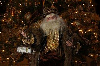Click image for larger version  Name:Airstream Ornament Santa.jpg Views:46 Size:291.6 KB ID:357174