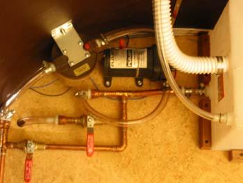 Click image for larger version  Name:caravanner_plumbing-med.jpg Views:103 Size:46.3 KB ID:36186
