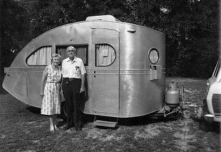 Click image for larger version  Name:1935-Airstream-Torpedo.jpg Views:13 Size:91.3 KB ID:363079