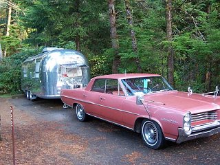 Click image for larger version  Name:vintage-airstream-and-classic-car-1024x768.jpg Views:53 Size:65.8 KB ID:365731