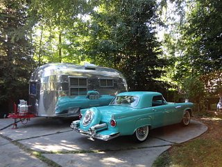 Click image for larger version  Name:1950s-car-with-vintage-Airstream.jpg Views:17 Size:91.7 KB ID:365732