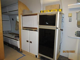 Click image for larger version  Name:2004 Galley Assembly Doors-800x600.jpg Views:22 Size:53.9 KB ID:366225