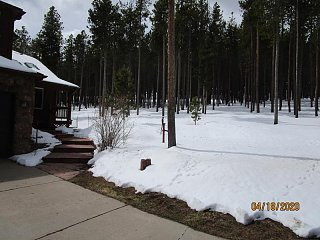 Click image for larger version  Name:2004 Snow Back Yard-800x600.jpg Views:9 Size:81.6 KB ID:366285