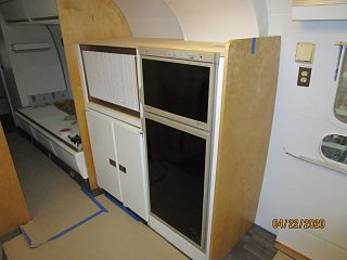 Click image for larger version  Name:2004 Galley Fridge Doors Hung-800x600.jpg Views:25 Size:51.1 KB ID:366354