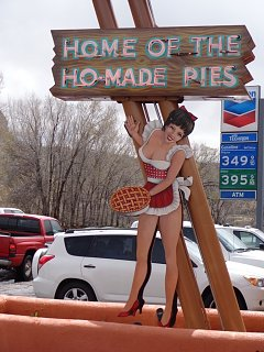 Click image for larger version  Name:HoMadePie.jpg Views:39 Size:219.2 KB ID:367174