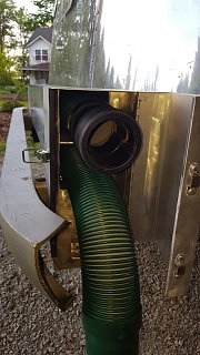 Click image for larger version  Name:Sewer Hose Extension in top holder.jpg Views:12 Size:170.2 KB ID:367269