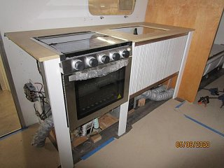 Click image for larger version  Name:2005 Galley Countertop Tambour-800x600.jpg Views:29 Size:60.7 KB ID:367405