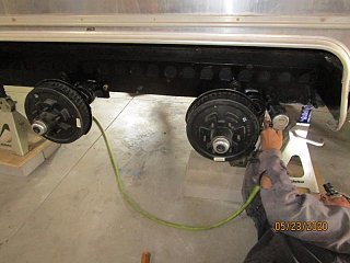 Click image for larger version  Name:2005 Axle Bolt Torque-800x600.jpg Views:31 Size:62.9 KB ID:368903