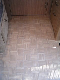 Click image for larger version  Name:new floor.jpg Views:143 Size:81.7 KB ID:37067