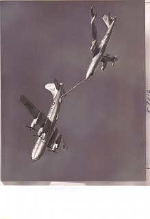Click image for larger version  Name:USAF KC-97 refueling a B-47.jpg Views:8 Size:208.7 KB ID:371336