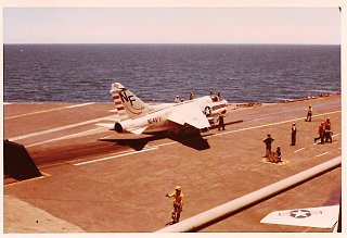 Click image for larger version  Name:USS Midway 1971 (4).jpg Views:9 Size:156.6 KB ID:371568