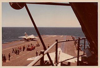 Click image for larger version  Name:USS Midway 1971 (15)2.jpg Views:10 Size:130.9 KB ID:371569