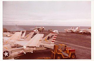 Click image for larger version  Name:USS Midway 1971 (7).jpg Views:10 Size:123.5 KB ID:371570