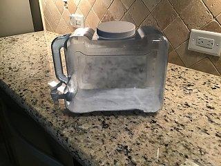 Click image for larger version  Name:water gallon jug.jpg Views:19 Size:338.3 KB ID:372611