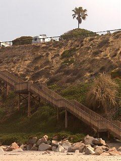 Click image for larger version  Name:HPIM0732 rig,stairs,bluff, beach close.jpg Views:126 Size:77.8 KB ID:37307