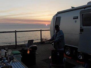 Click image for larger version  Name:HPIM0746 Larry & shrimp at sunset.jpg Views:122 Size:51.5 KB ID:37319