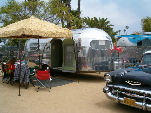 Click image for larger version  Name:1949 Silver Streak Clippera.JPG Views:151 Size:170.0 KB ID:37652