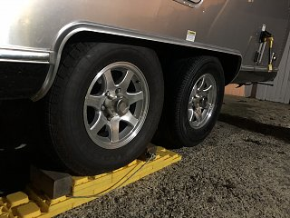 Click image for larger version  Name:tire_ramp.jpg Views:18 Size:298.1 KB ID:378204