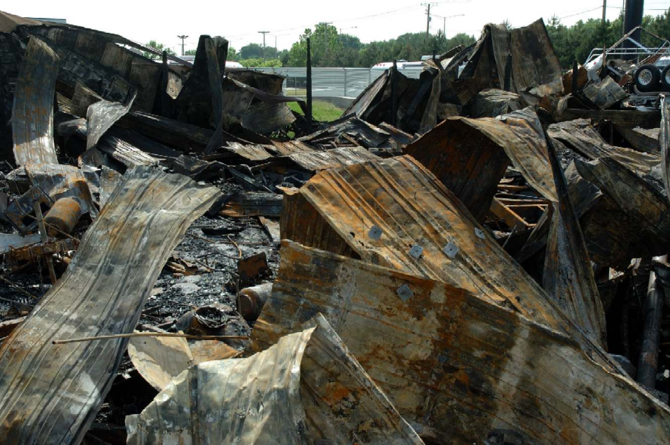 Click image for larger version  Name:AirstreamOfChicagoFire what's left of the building.JPG Views:85 Size:158.1 KB ID:37916