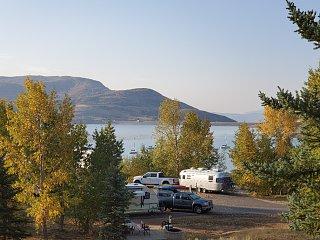 Click image for larger version  Name:jordanal lake utah from hill.jpg Views:27 Size:354.8 KB ID:379292
