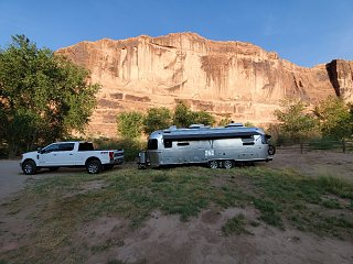 Click image for larger version  Name:airstream at moab.jpg Views:30 Size:469.1 KB ID:379396
