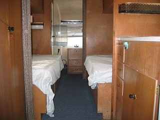 Click image for larger version  Name:1309 Twin Beds-800x600.JPG Views:16 Size:55.8 KB ID:380015