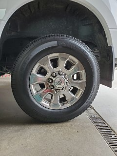 Click image for larger version  Name:Michelin tire.jpg Views:5 Size:286.4 KB ID:381724