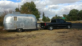 Click image for larger version  Name:Airstream-and-Pickup-Oct-2020.jpg Views:6 Size:348.2 KB ID:382279