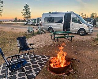 Click image for larger version  Name:Bryce Canyon, Utah.jpg Views:7 Size:435.9 KB ID:384219