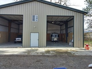 Click image for larger version  Name:Garage overkill.jpg Views:14 Size:76.9 KB ID:384606