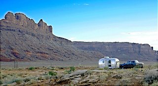 Click image for larger version  Name:5D__0596 Canyonlands entrance-s.jpg Views:133 Size:142.2 KB ID:38480