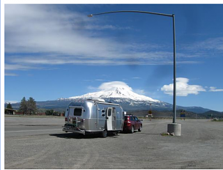 Click image for larger version  Name:Screenshot_2020-12-31 Blue 2014 Airstream Flying Cloud - Airstream Forums.png Views:11 Size:602.8 KB ID:385907