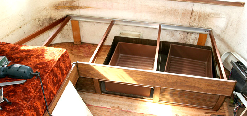 Click image for larger version  Name:IMG_6864 underseat tambors-s.jpg Views:71 Size:121.4 KB ID:38593