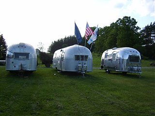 Click image for larger version  Name:Overlander small 1.jpg Views:84 Size:115.6 KB ID:38707