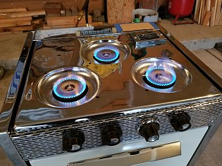 Click image for larger version  Name:Stove Test in Garage.jpg Views:14 Size:404.1 KB ID:390390