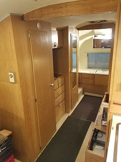 Click image for larger version  Name:Closet Doors Installed.jpg Views:17 Size:272.8 KB ID:390398