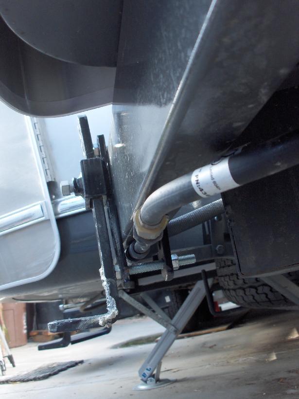 Click image for larger version  Name:HPIM0918 Equalizer curbside close-up.jpg Views:134 Size:54.1 KB ID:39081
