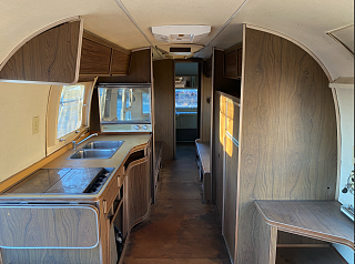 Click image for larger version  Name:interior_looking_back2.png Views:14 Size:2.36 MB ID:392610