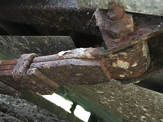 Click image for larger version  Name:leaf spring attachment.jpg Views:9 Size:118.1 KB ID:392895