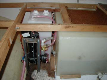Click image for larger version  Name:antifreeze tank3small.jpg Views:262 Size:13.2 KB ID:3930