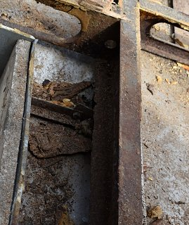 Click image for larger version  Name:Rear frame rust (e).JPG Views:9 Size:351.6 KB ID:393840