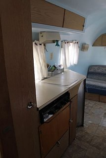 Click image for larger version  Name:kitchen-from-bathroom.jpg Views:13 Size:27.3 KB ID:394003