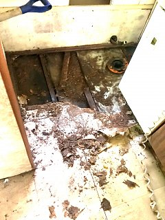 Click image for larger version  Name:78 bath subfloor rot.jpg Views:12 Size:330.3 KB ID:395629